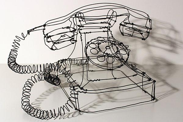 telephone-sculpture-fil-de-fer