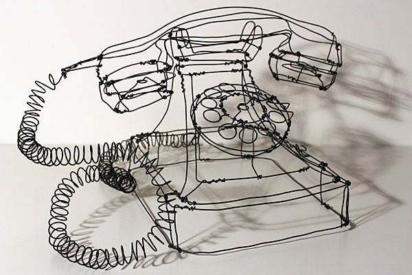 telephone-sculpture-fil-de-fer
